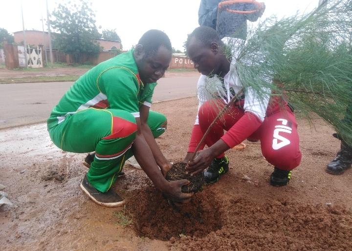 Environnement : Les travailleurs de la mairie de Koudougou œuvrent utile pour l'avenir