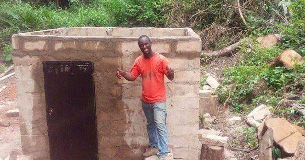 Seul, il fabrique un mini barrage électrique et apporte la lumière non-stop à tout son village