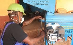 Togo:          Amavi Azossou Ameh invente l'egreneuse multifonctionnelle avec le soutien du PPAAO-TOGO