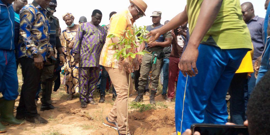 Campagne de reboisement <>: 1200 plants mis sous terre